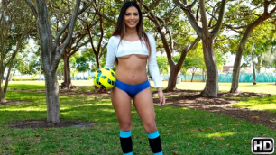 Soccer Sucker Nicole Ray Knows What A Good Blowjob