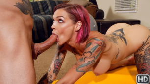 Anna Bell Peaks's Stretching Showing Off Her Ass In Best Home Workout