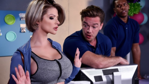 Brazzers - Joslyn James Requests Fuck Your Manager
