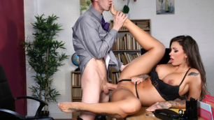 Susy Gala Bounces On Her Assistant's Hard Cock In Foot Clerk At Work