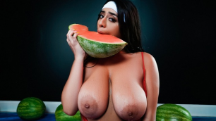 Reality Kings - Violet Myers Has A Set Of Wetter Melons