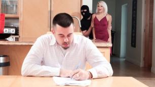 Reality Kings - Robber Fucked My Girlfriend Rhonda Rhound