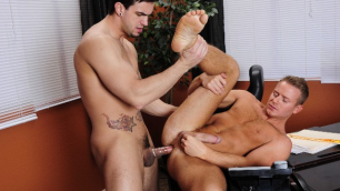 Men - Unruly Employee Tory Mason And His Boss Phenix Saint Have Fuck In Office