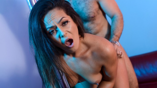 Kiki Klout Resolves To Indulge Her In Amateur NYE