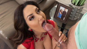 Brazzers - Ava Addams Sucking The Sitter