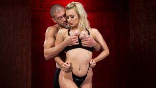 Brazzers - Red Hot Yoga With Natalia Starr