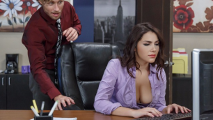 Brazzers - Valentina Nappi  All Natural Intern