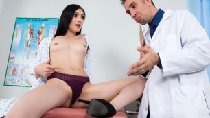Brazzers - Wet Marleys Brinx Cunnilingus: A ZZ Medical Study