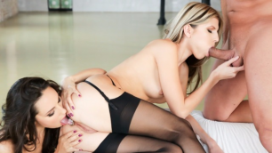 21Sextury - Lesbians Gina Gerson And Lilu Moon Always Had Sharing From Ass To Mouth