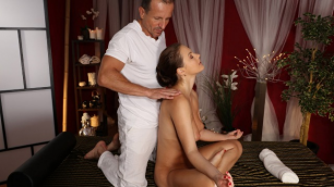 Massagerooms - Lustful Masseur Wants Tina Kay's Pussy