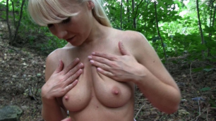 Girlfriends - Good Pussy Catches In Nature Cayla Lyons And Michelle Louie