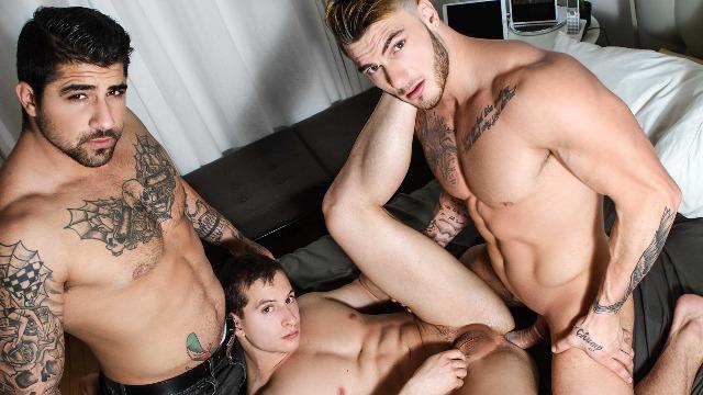 Men - Switcheroo Give Him What He Wants Joey Mentana , Ryan Bones , William Seed