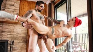 Men - Lumbersexuals Part 2 Pierre Fitch And Ryan Bones Having Sex On The Rug