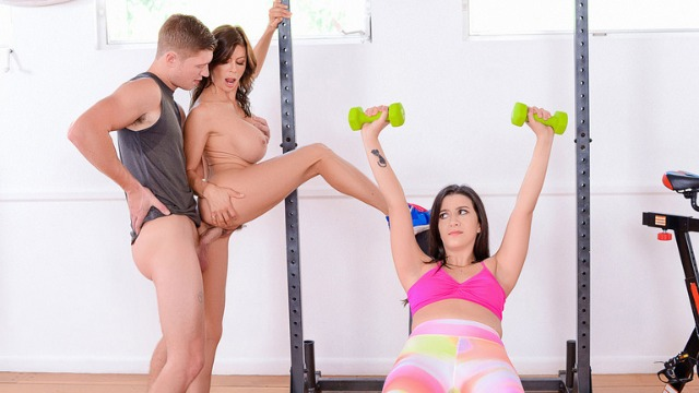 Threesome Alexis Fawx And Natalie Brooks In Moms Home Gym