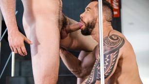 Men - Tyler Berg Spots The Beautiful Andy Onassis Showering