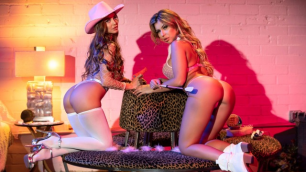 Abigail Mac And Nina Milano Have Dressed Up In Super Cute Cowgirl Costumes Just For You