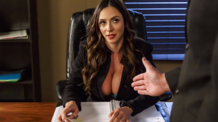 Fellatio From The She-E-O With Business Woman Ariella Ferrera
