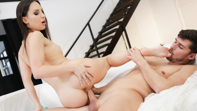 21Sextury - Lilu Moon Showed Pretty Feet And Perfect Body
