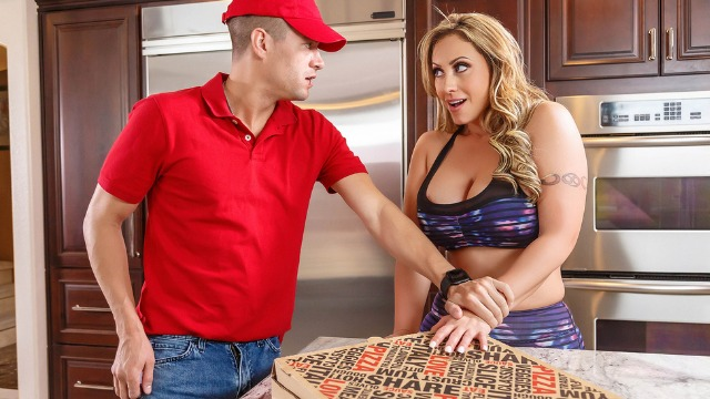Busty Eva Notty Ordered Pizza And Cock In ZZ Pizza Party: Part 1