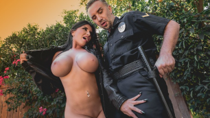 Romi Rain Showed Everyone Her Big Tits In The Flasher
