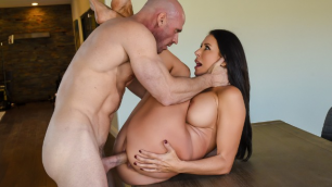 Reagan Foxx Will Pay For It All With His Mouth In Feeling Up The Fashion Girl