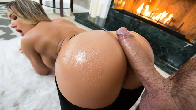 Brazzers - Cali Carter Wants Indulge Herself In Fireside Fap