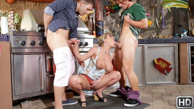 Dee Williams Sucks Two Dicks Outdoor In Sausage Party
