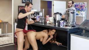 Brazzers - Cafe Au Busty Milf Isis Love