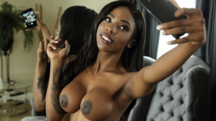 Brazzers - Black Sarah Banks Is Feelin' Herself Today