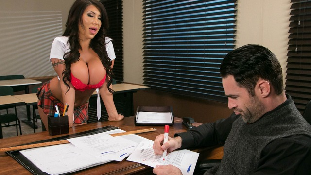 Brazzers - What's My Grade Again? August Taylor In Class Room