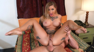 Kleio Valentien Needs A Place To Lay Low  In ZZ Motel Dicking The Drifter
