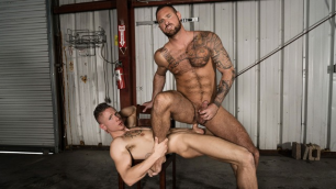 Bromo - Michael Roman And Guy Houston Take On Each Other's In Break