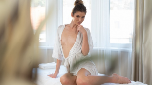 Massagerooms - Natural Busty Babe Has Erotic Massage Candice Demellza