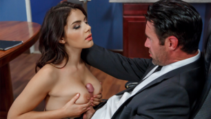 Brazzers - Saleswoman Valentina Nappi Fucked For Money In Pushing Boundaries