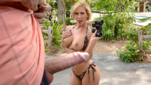 Brazzers - Horny  Neighbor Cherie Deville I Like Creeps