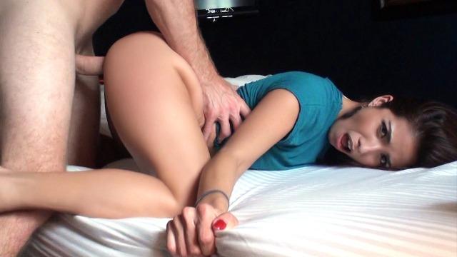 Mofos - Isabella DeSantos' Afternoon Sex-Break