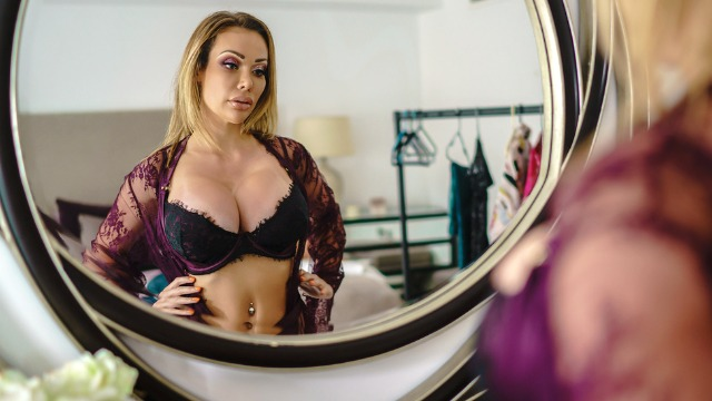 Brazzers - Chessie Kays Big Dressing Room Poon , Uploaded -1635