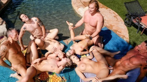 Heiße Ehefrauen Penelope Reed und Jessica Rex in Outdoor-Swinger-Fick-Session