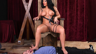 Bella Reese Rules Her Dungeon With Huge Meaty Ass In Femdom Ass Worship 16 Scene 4