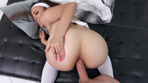 Mofos - Tanned Hottie Jamie Marleigh Serving Up Some Anal