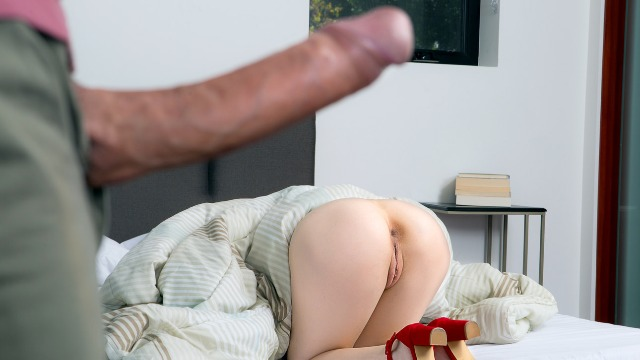 Aria Alexander Gets Invited To Her New Neighbor's House In Hide And Go Seek The Booty