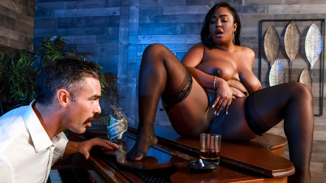 Layton Benton Relaxes In Cocktail Lounging