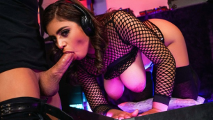 Reality Kings - Dj Ella Knox Sucks Cock
