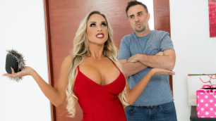 Brazzers - Rich Massive Tits Tegan James In Tipping The Driver