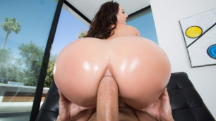 Brazzers - Rip My Jeans With Beauty Angela White