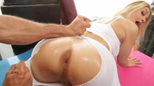 Brazzers - Asanas Ass With Hot Sarah Vandella