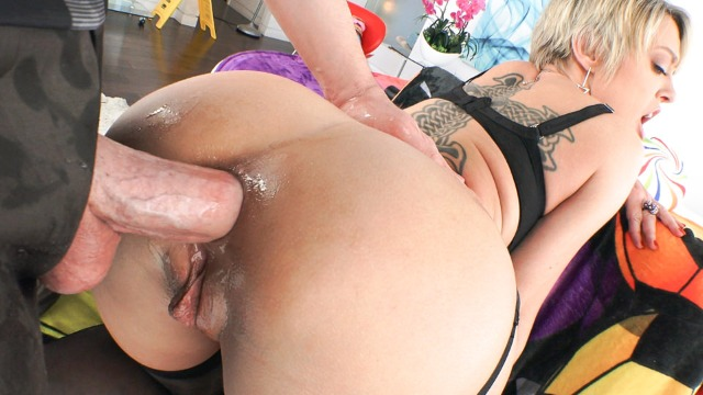 Evil Angel - Blonde MILF Dee Williams Sodomized To Gaping Ass Prolapse