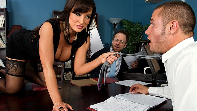 Brazzers - Lisa Ann Caused A Car Accident In Settling Out Of Cunt