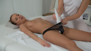 Massagerooms - Masseuse Makes Lesbians Mind Dirty Gina Devine And Tracy Lindsay